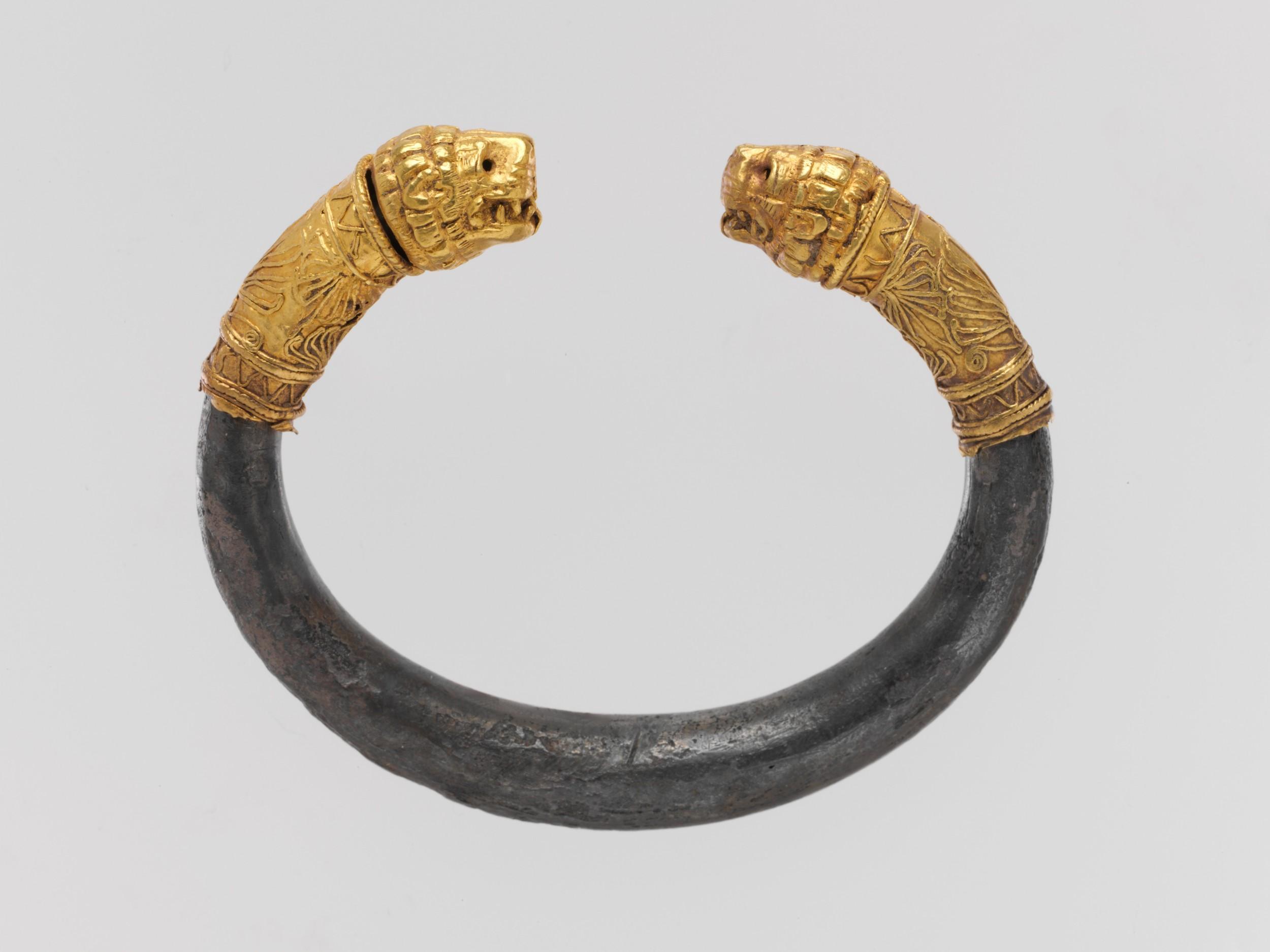Silver Bracelet with Gold Lion Head Finials. Greek, 5th - 4th Century BCE. Metropolitan Museum of Art, 30.115.86.