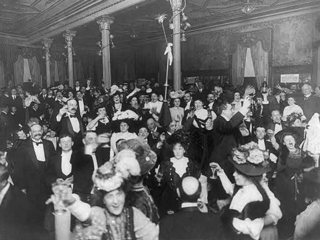New Year's Eve, 1907 at the Restaurant Martin in New York City.