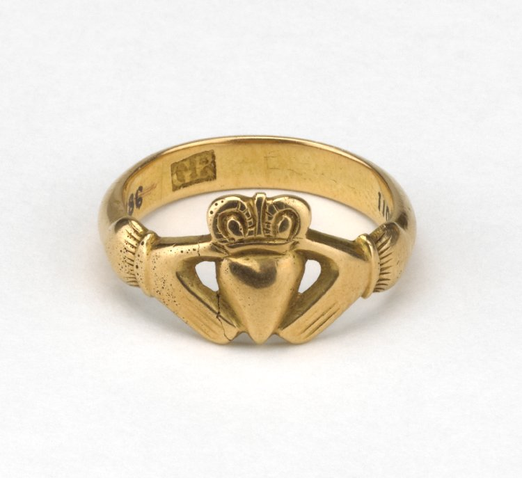 18th Century Irish Claddagh ring, British Museum.