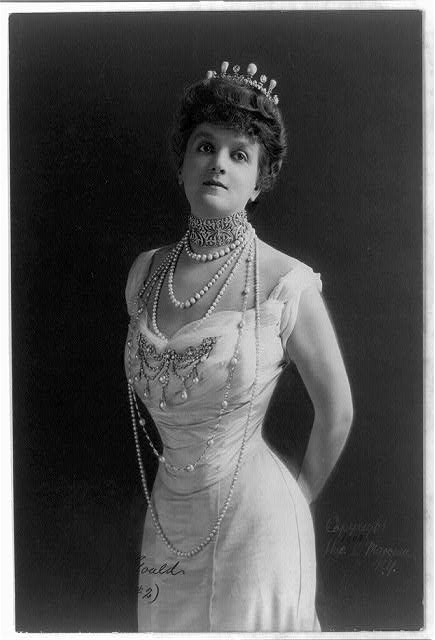 Mrs. George Jay Gould isn't wearing enough pearls...
