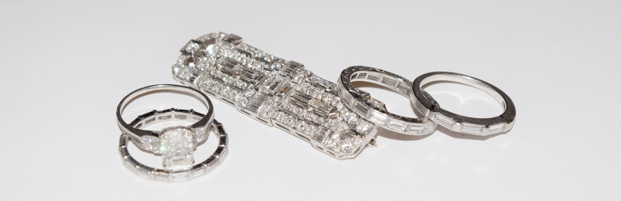 古董 and vintage baguette diamond jewelry at 灰色& Davis
