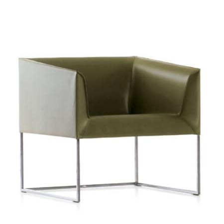GAvi L Leather Chair
