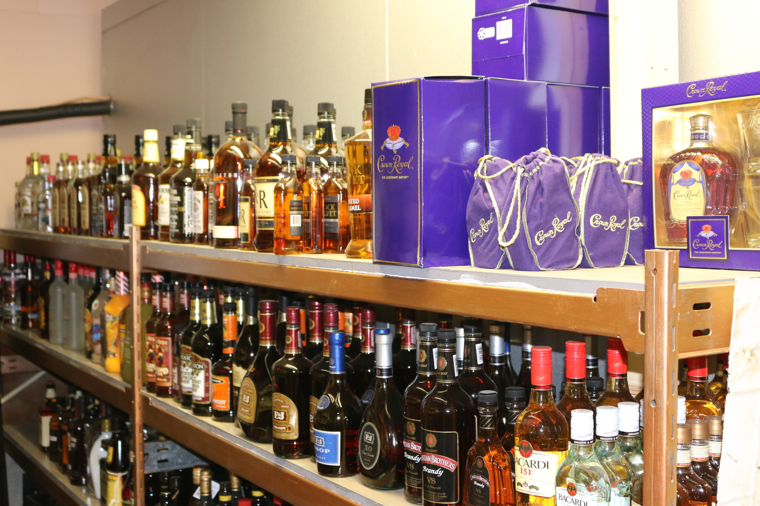 Leen 'n Bottles resides in the rear section of Winifred and is operated independently from Winifred Grocery by Eileen Stulc.Contact Eileen for all of your liquor and wine needs, as she has a large inventory on hand and can additionally order virtually anything for you.