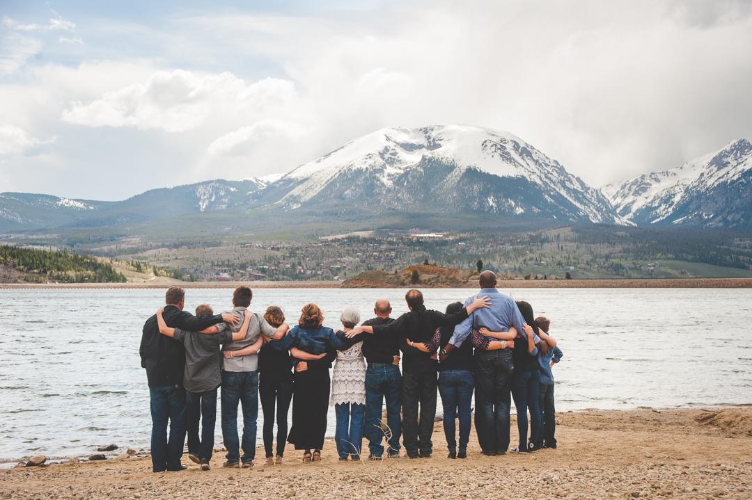big family love overlooking Lake Dillon and Mount Buffalo in Dillon, Colorado