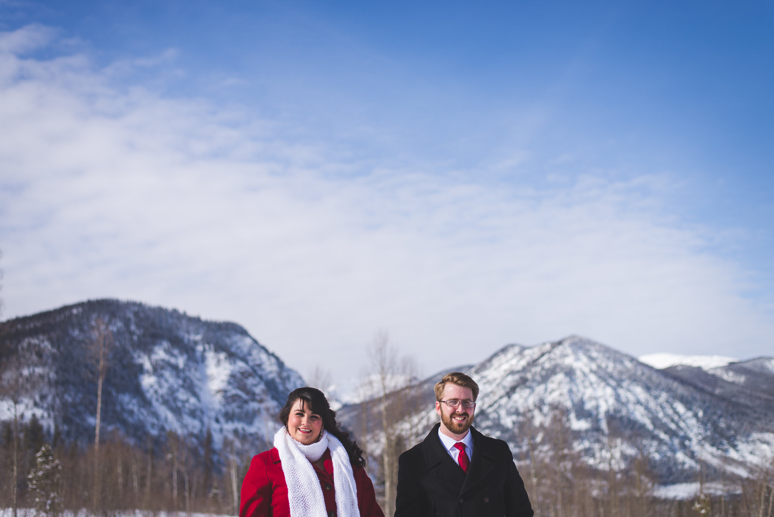 How gorgeous is for a winter backdrop for your winter elopement? A simple setting does the trick for a Colorado mountain elopement!