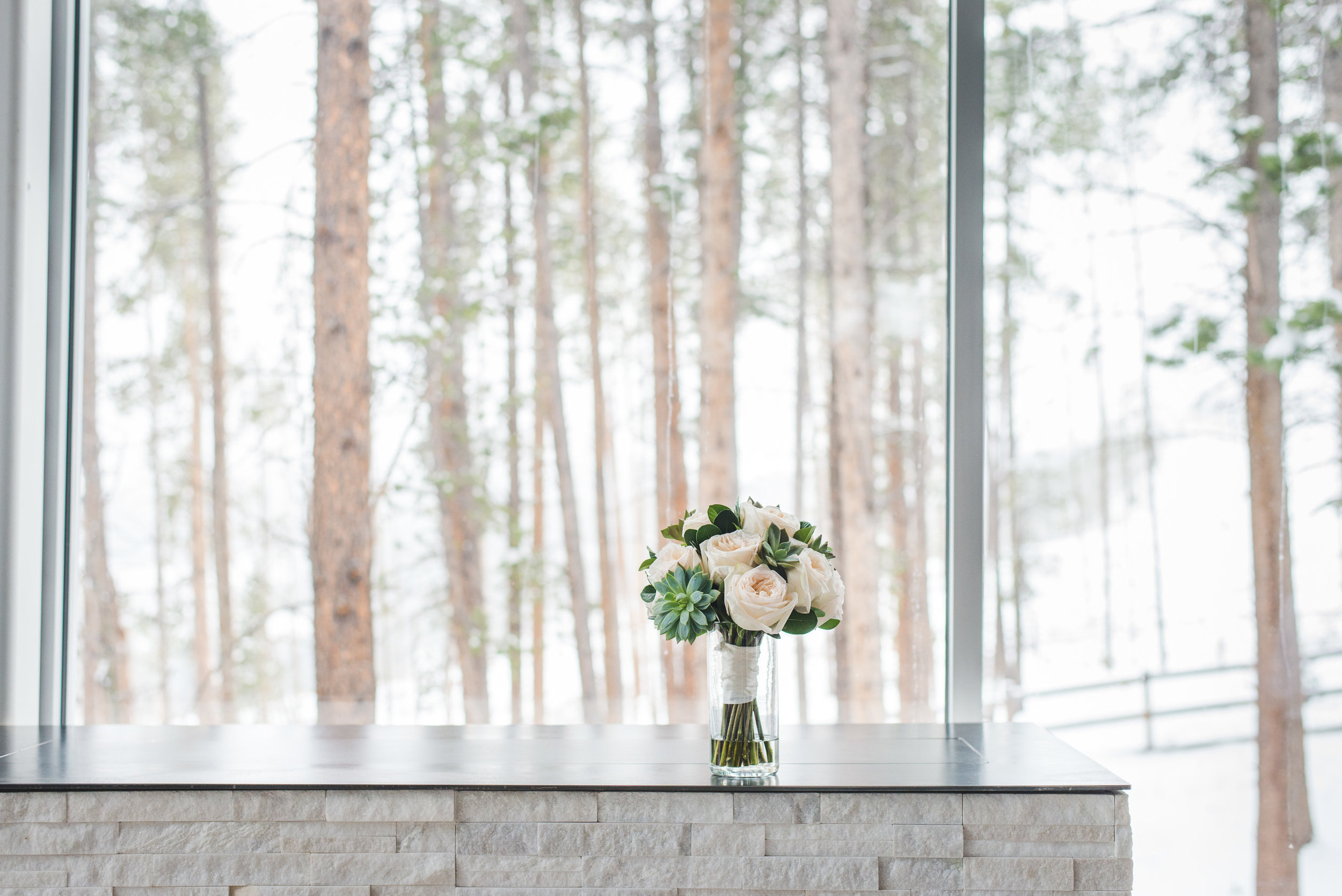 Modern + Intimate Mountain Wedding in Breckenridge, Colorado | Keeping Composure Photography
