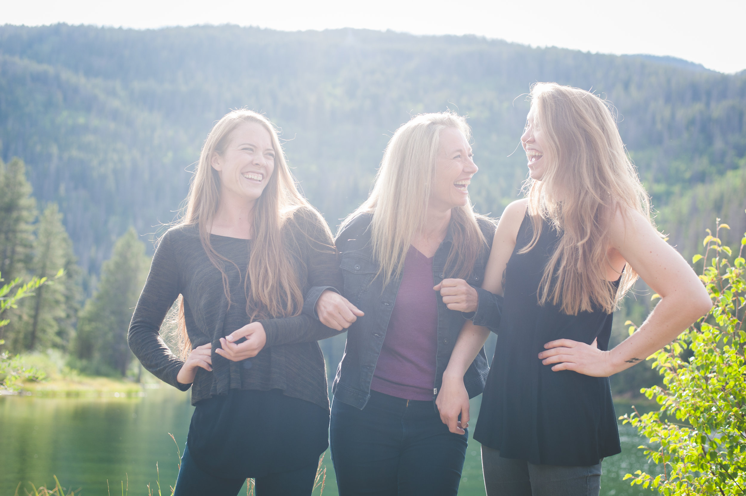 Mother and daughters portrait session in the Colorado mountains | Flattering your Features | Keeping Composure Photography