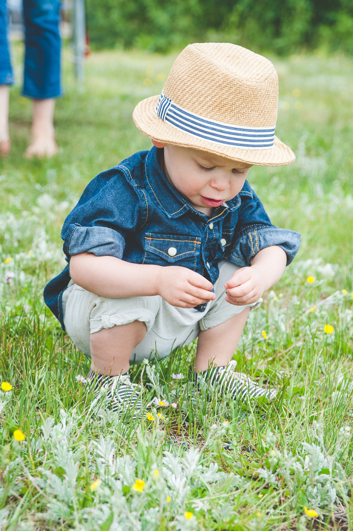 Family portrait session at Lake Dillon with stylish toddler   It's All in the Details   Keeping Composure Photography