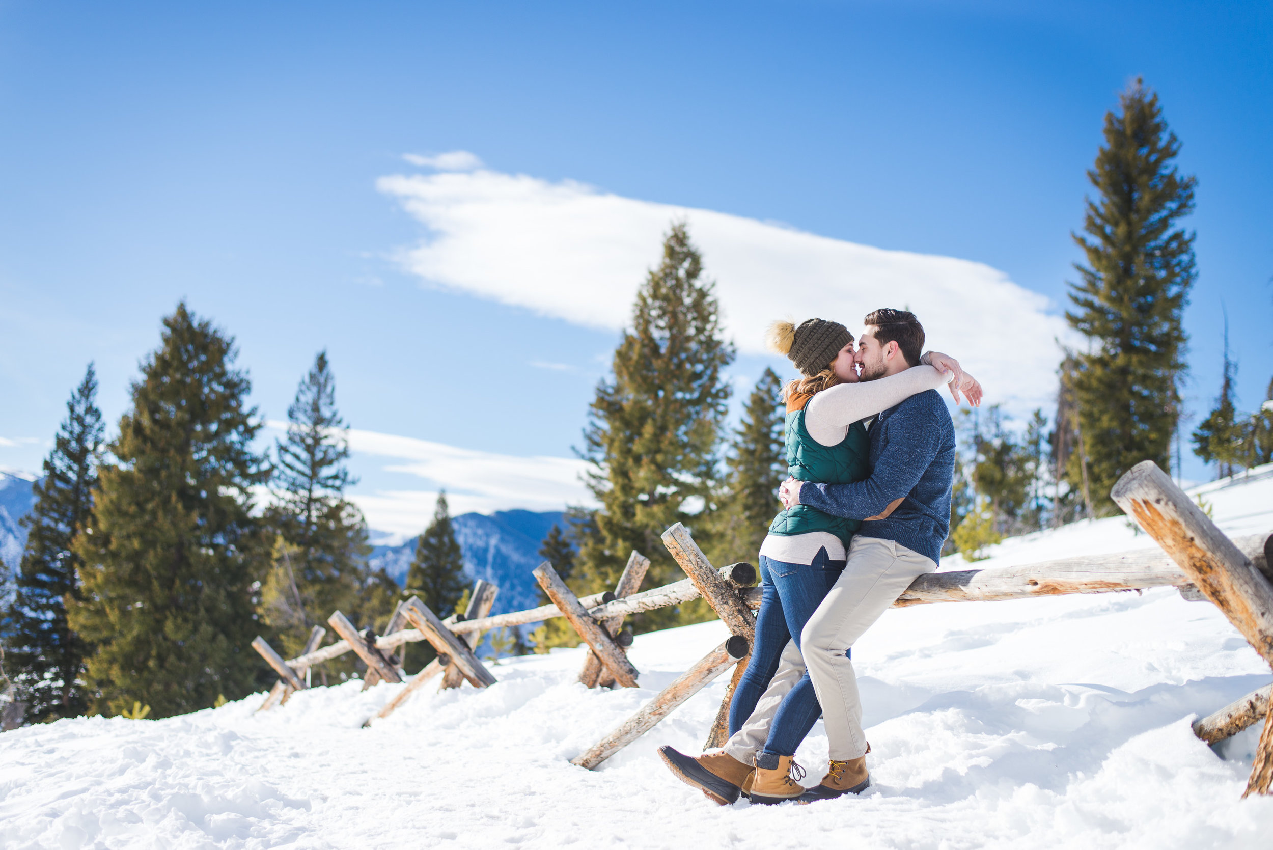 winter snowy engagement session colorado mountains | keeping composure photography