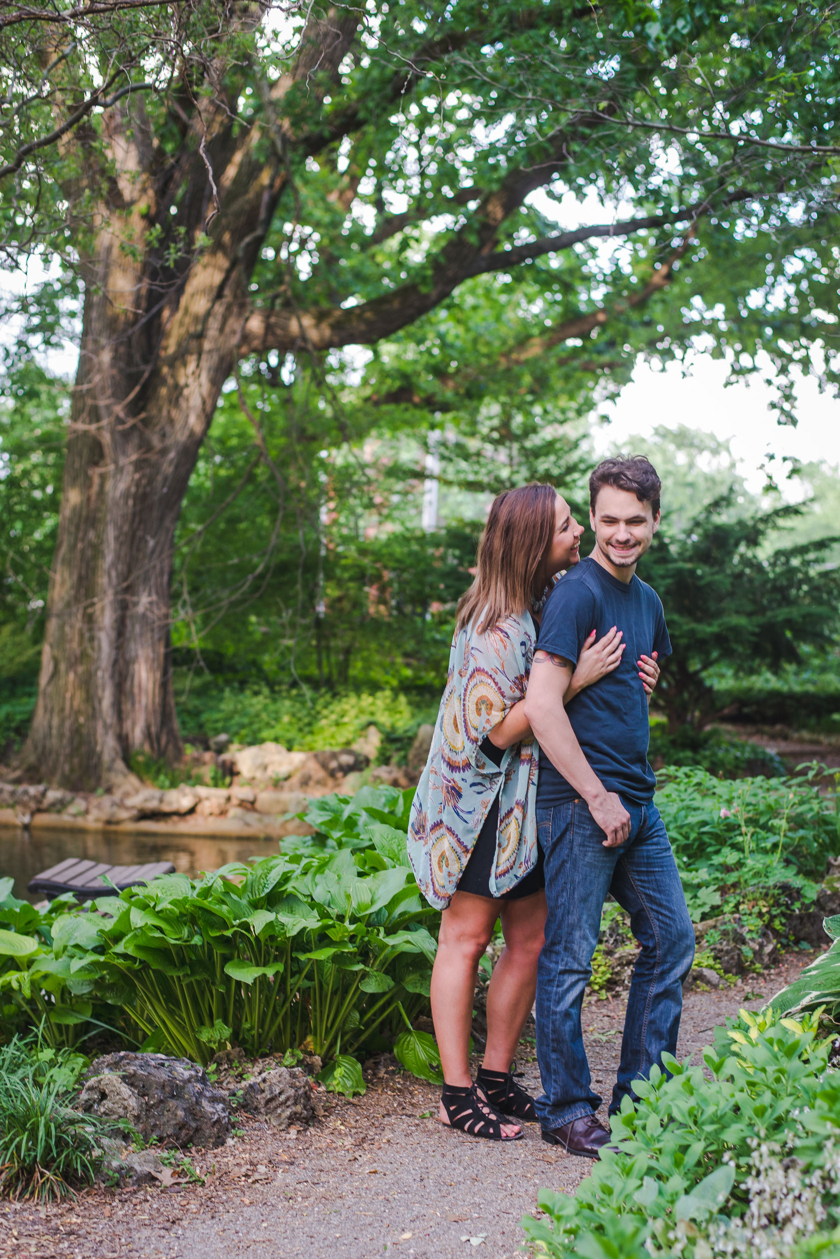engagement or couples photos in lafayette square park, st. louis, missouri | keeping composure photography