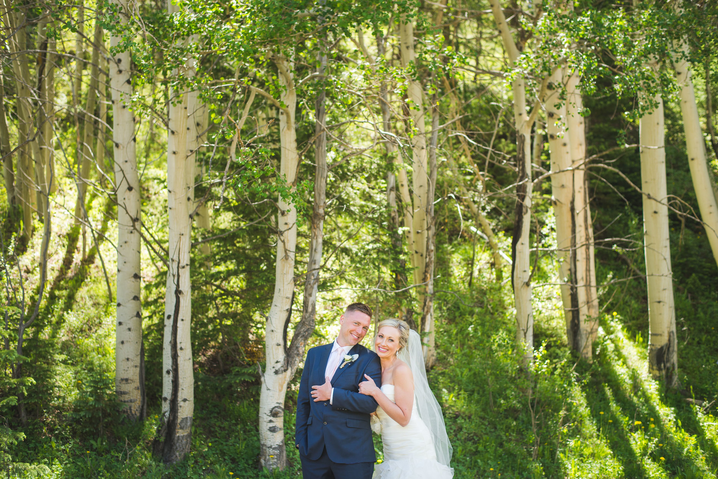 summer bride and groom in the aspens | colorado mountain wedding || keeping composure photography + summit mountain weddings