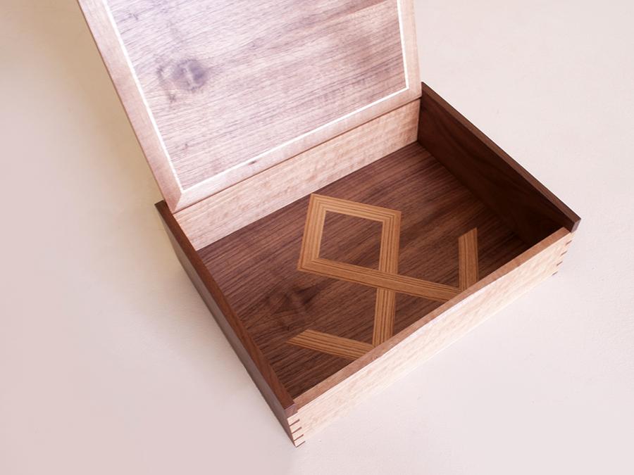 Box Baltesz2.jpg