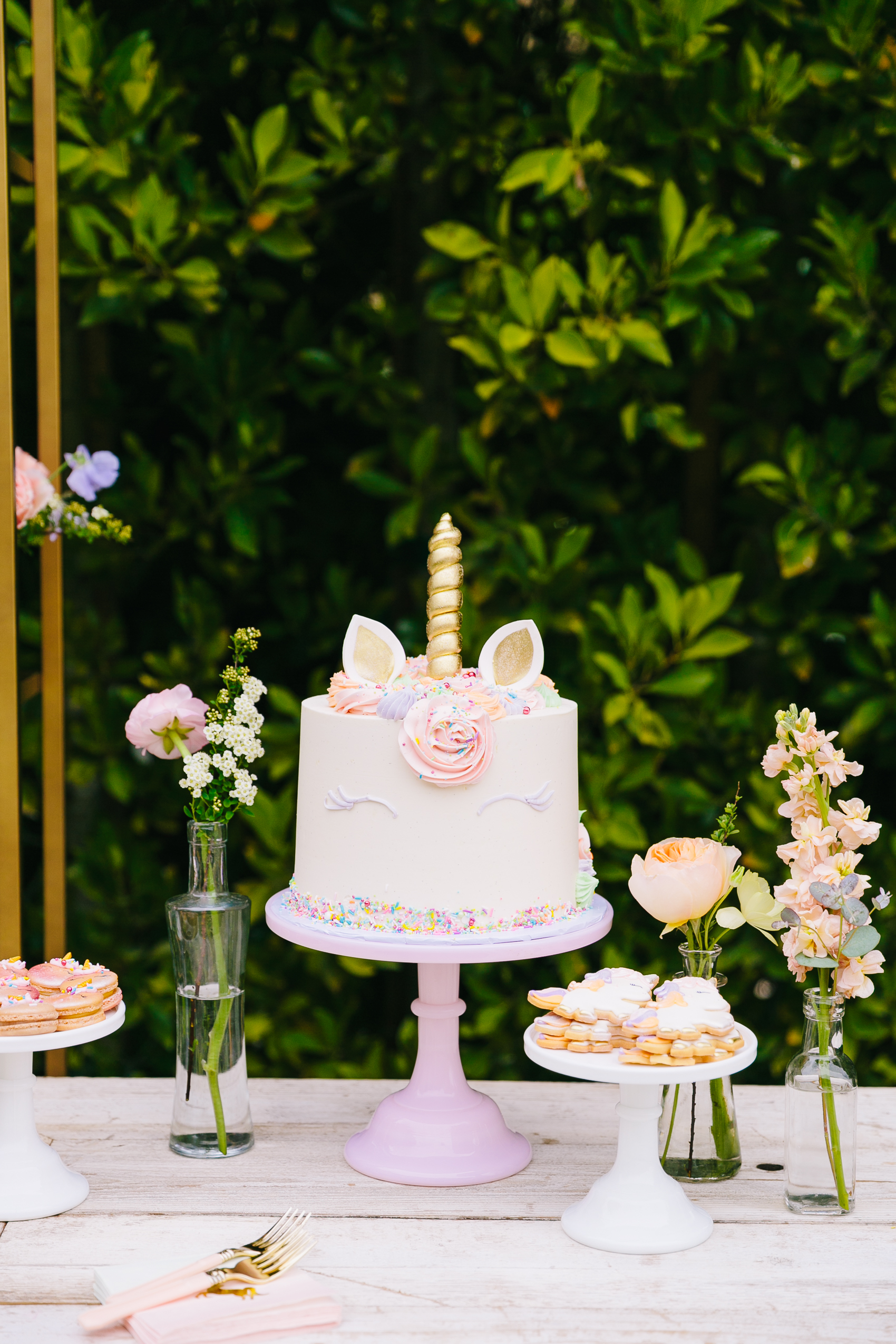 Los_Angeles_Family_Photographer_Luxury_Childrens_Party_Beverly_Hills_Unicorn_Birthday_Party-0015.jpg
