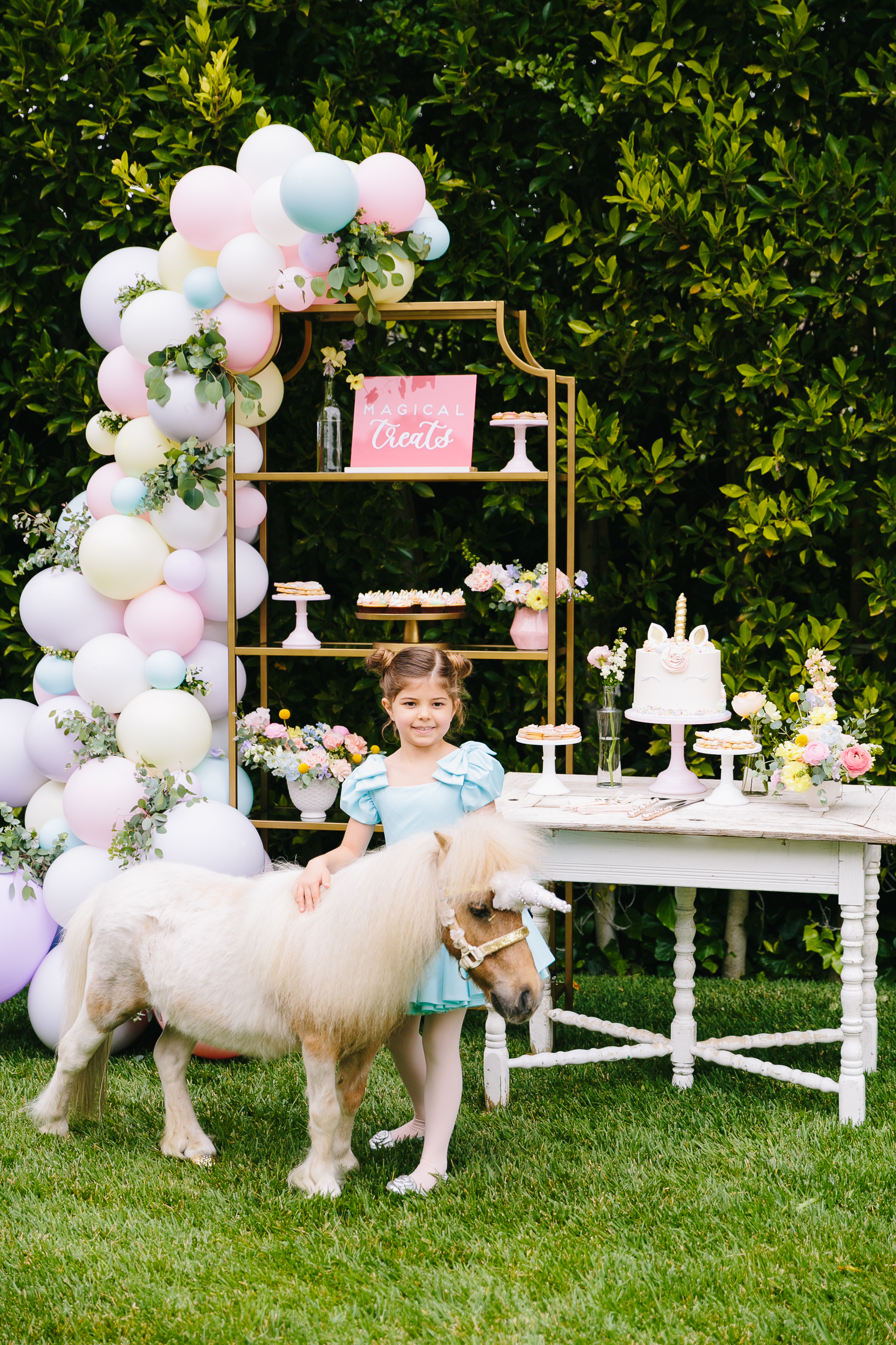 Los_Angeles_Family_Photographer_Luxury_Childrens_Party_Beverly_Hills_Unicorn_Birthday_Party-0605.jpg