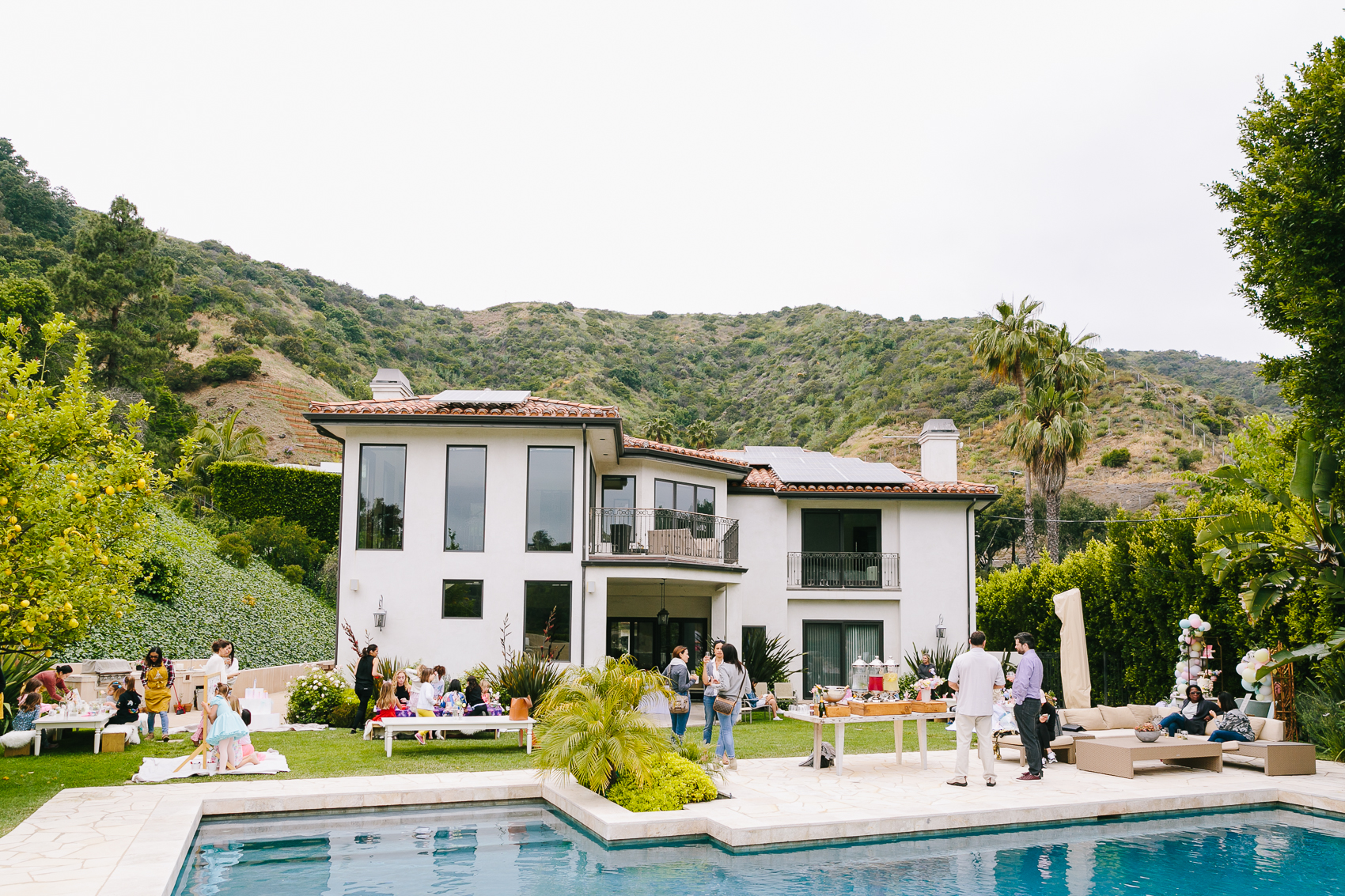Los_Angeles_Family_Photographer_Luxury_Childrens_Party_Beverly_Hills_Unicorn_Birthday_Party-0938.jpg