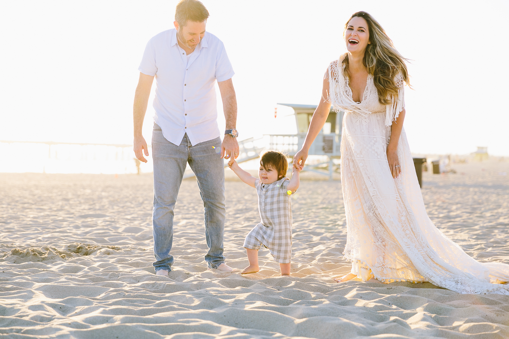 Los_Angeles_Family_Photographer_Maternity_Photos_Baby_Pregnancy_Venice_Beach_Golden_Hour-0510.jpg