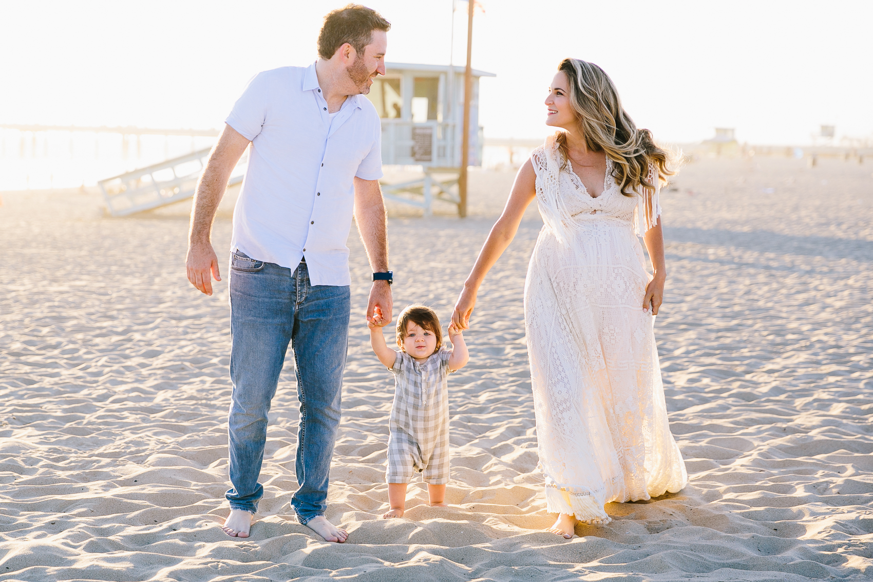 Los_Angeles_Family_Photographer_Maternity_Photos_Baby_Pregnancy_Venice_Beach_Golden_Hour-0498.jpg