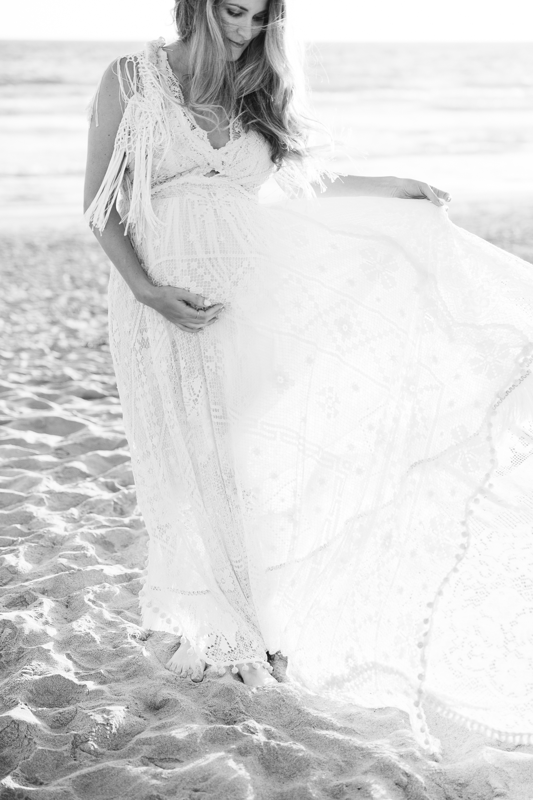 Los_Angeles_Family_Photographer_Maternity_Photos_Baby_Pregnancy_Venice_Beach_Golden_Hour-0938.jpg