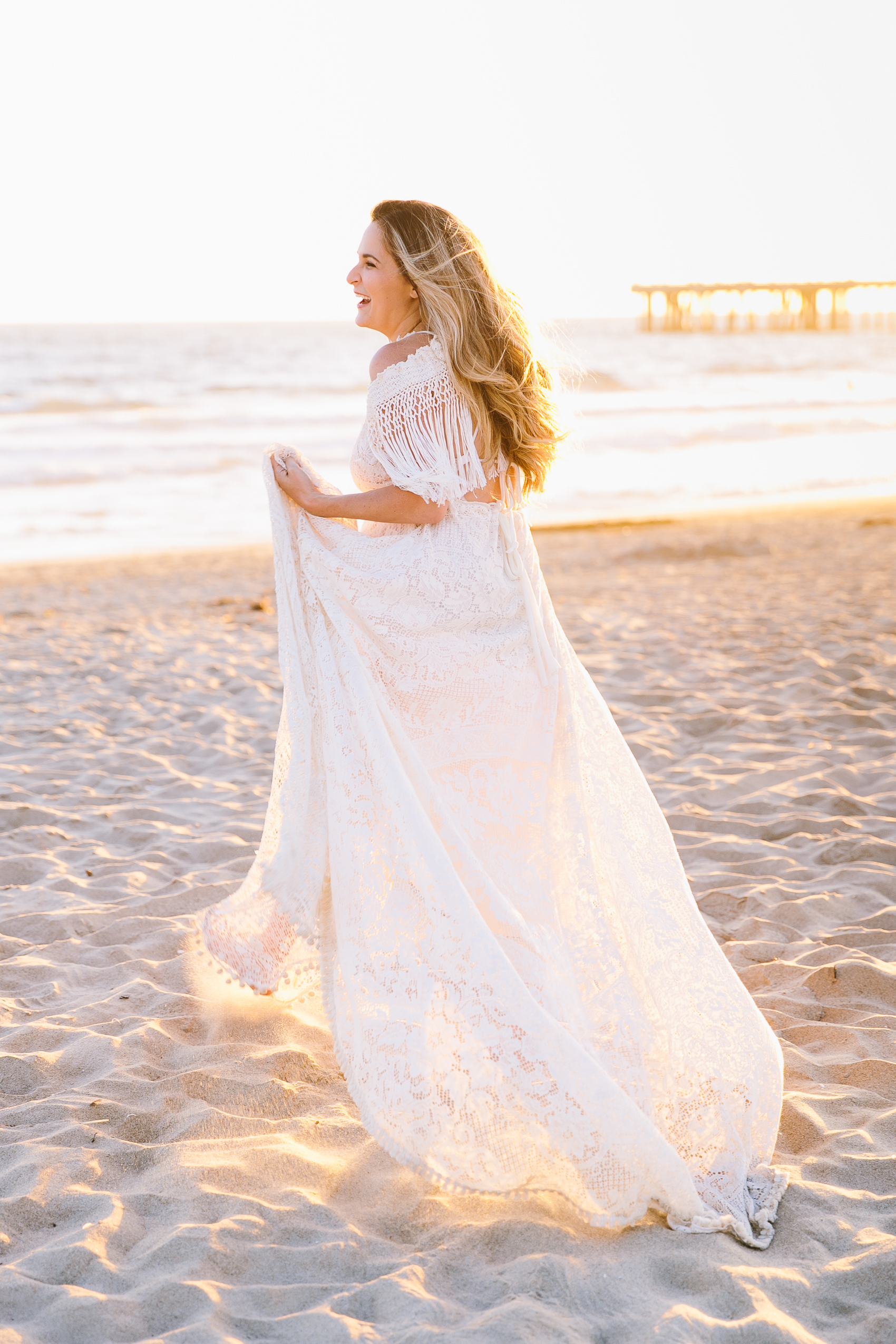Los_Angeles_Family_Photographer_Maternity_Photos_Baby_Pregnancy_Venice_Beach_Golden_Hour-1001.jpg