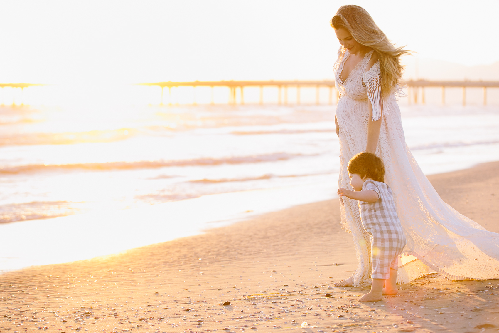 Los_Angeles_Family_Photographer_Maternity_Photos_Baby_Pregnancy_Venice_Beach_Golden_Hour-1169.jpg