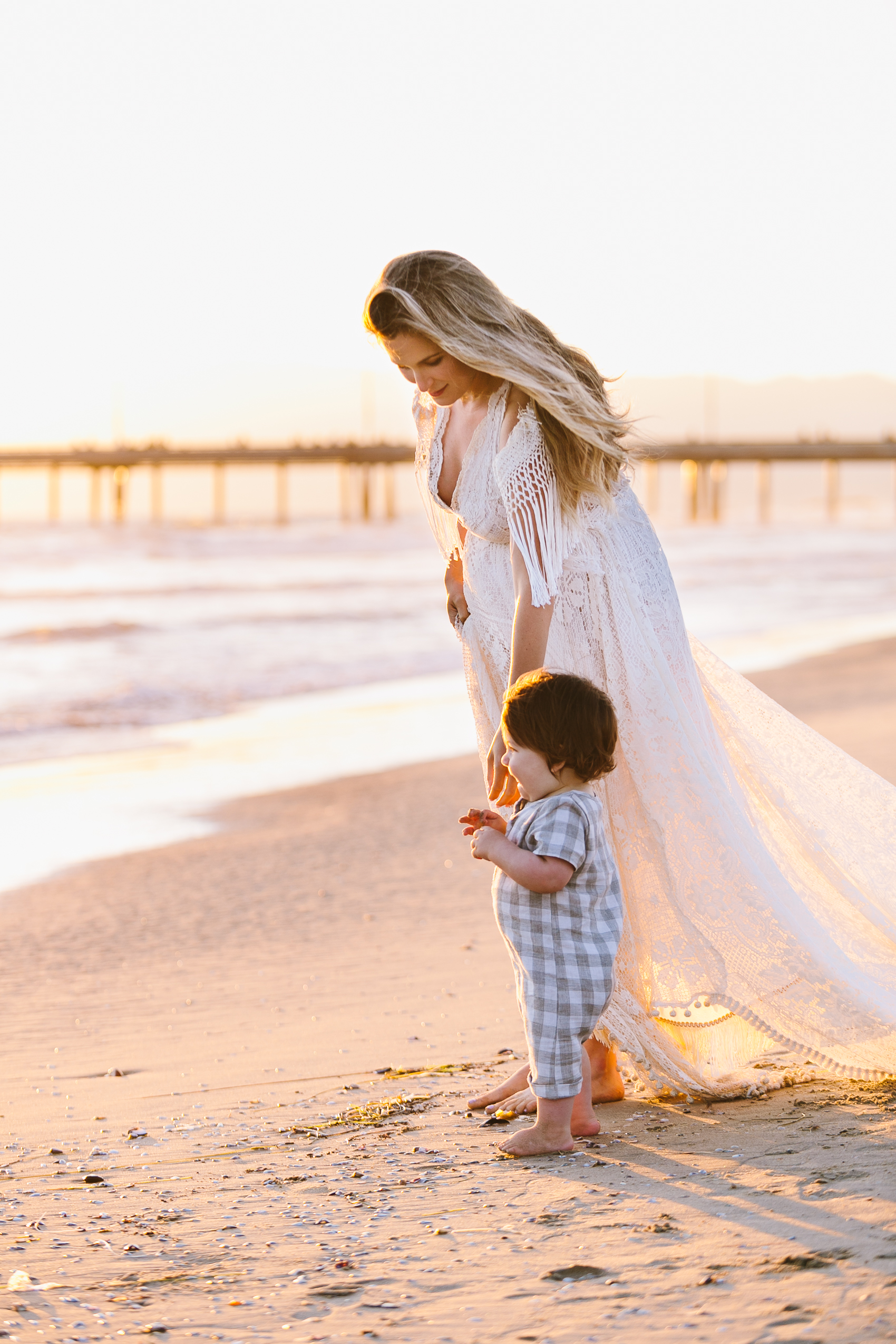 Los_Angeles_Family_Photographer_Maternity_Photos_Baby_Pregnancy_Venice_Beach_Golden_Hour-1167.jpg