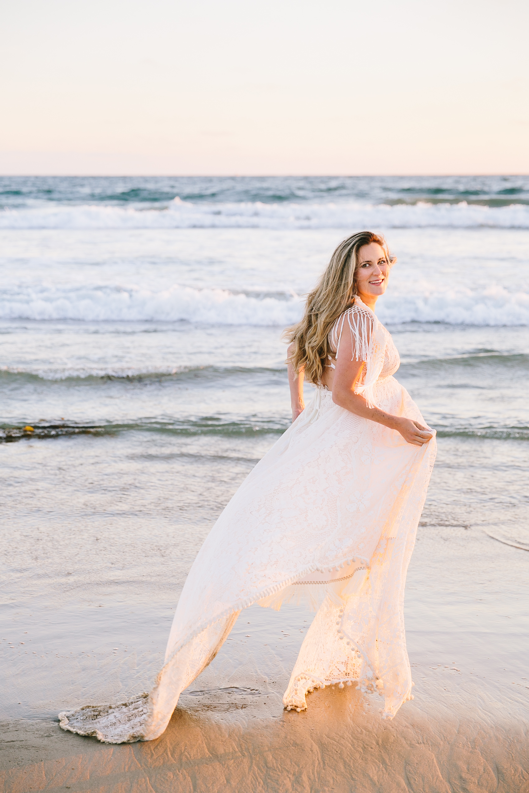 Los_Angeles_Family_Photographer_Maternity_Photos_Baby_Pregnancy_Venice_Beach_Golden_Hour-1223.jpg