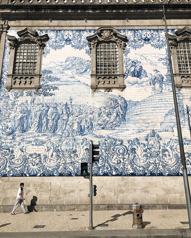 Loved waking the streets of Porto—adorned in its blue and white tiles, keeling down on sloping hills towards the river, offering garnet-hued glasses of offering.