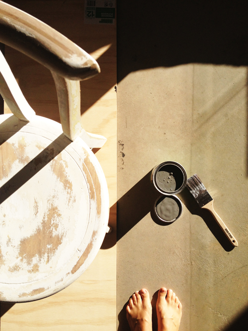 after hand sanding both the desk and chair I started painting in the winter sun with Dulux 'Malay Grey'