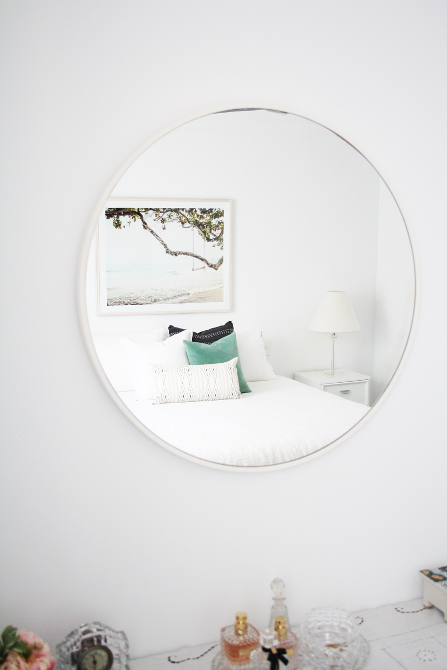 mirror bedroom sml.jpg