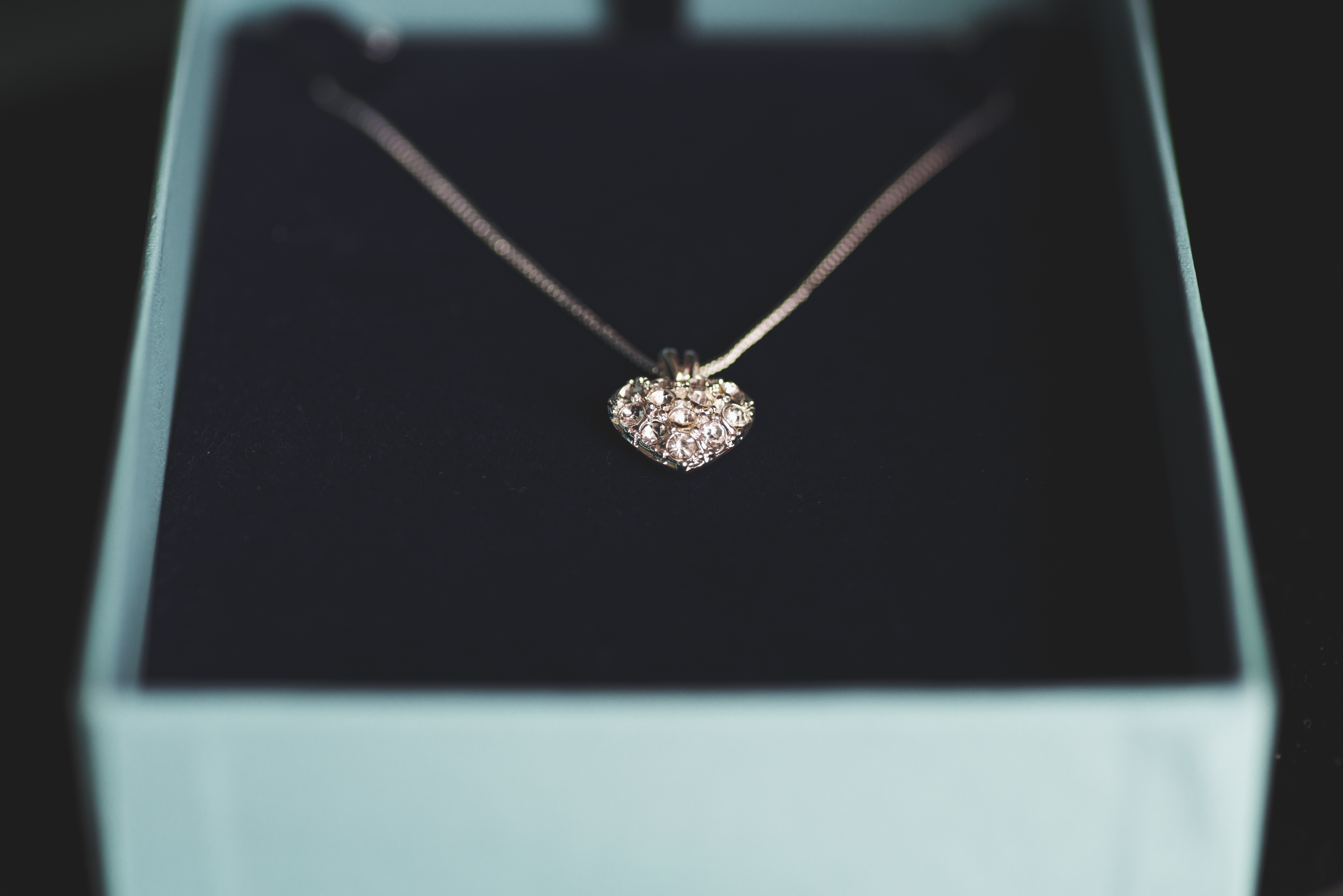 Belfast_Wedding_PHotography_Necklace