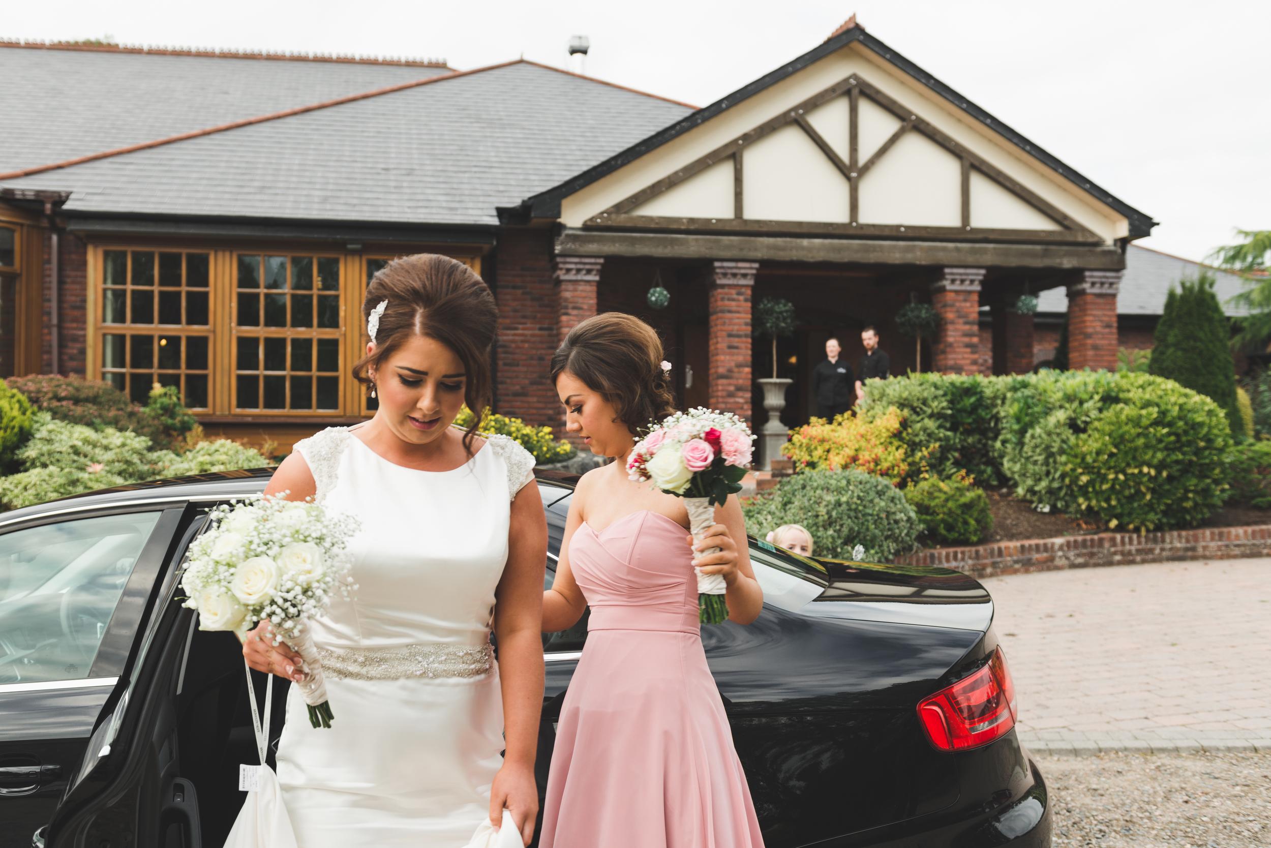 Northern_Ireland_Wedding_Photographer_Purephotoni_Weavers_Lodge_Bridal_Car