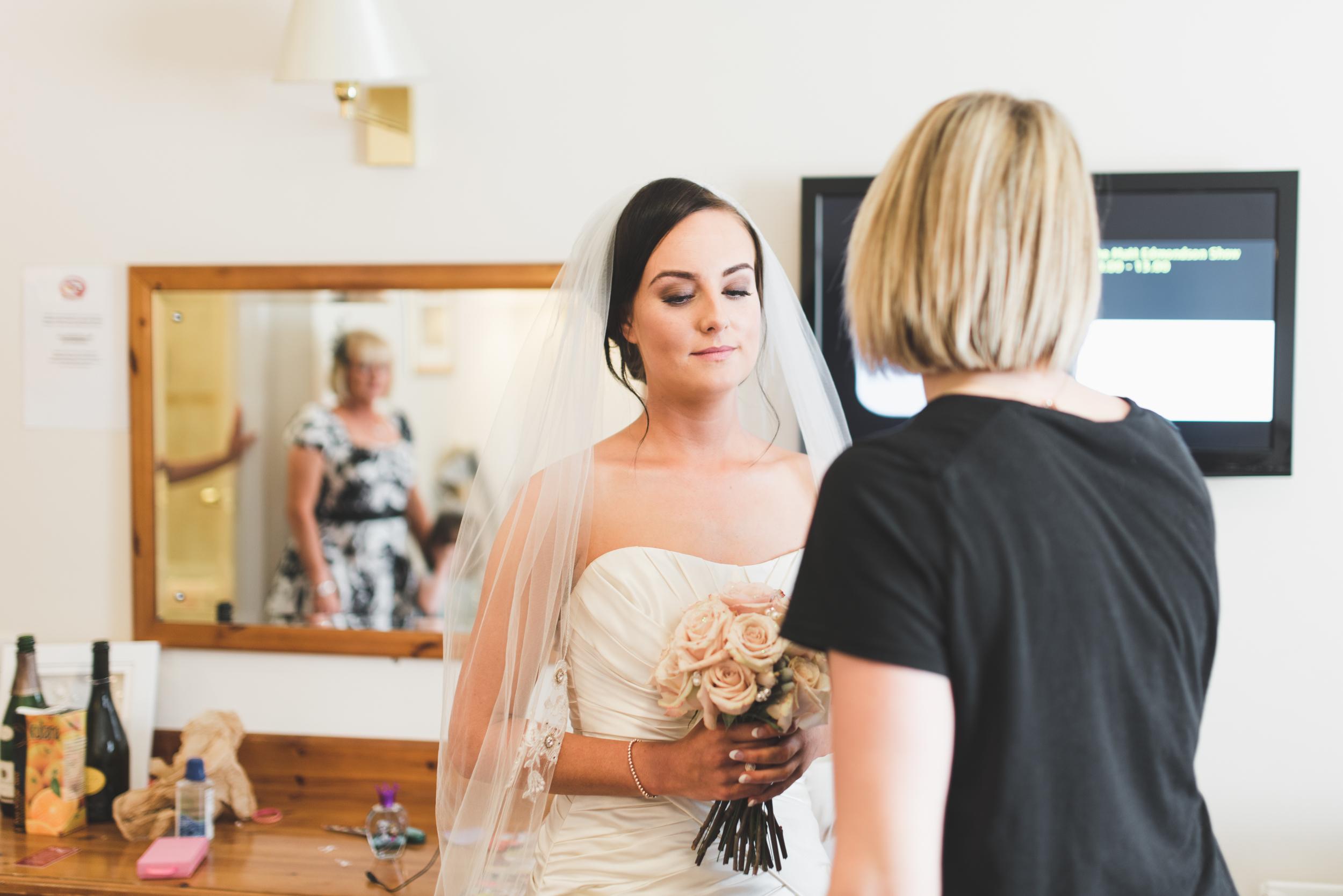 Northern_Ireland_Wedding_Photographer_Purephotoni_Dunsilly_Hotel_Bride_Getting_Ready