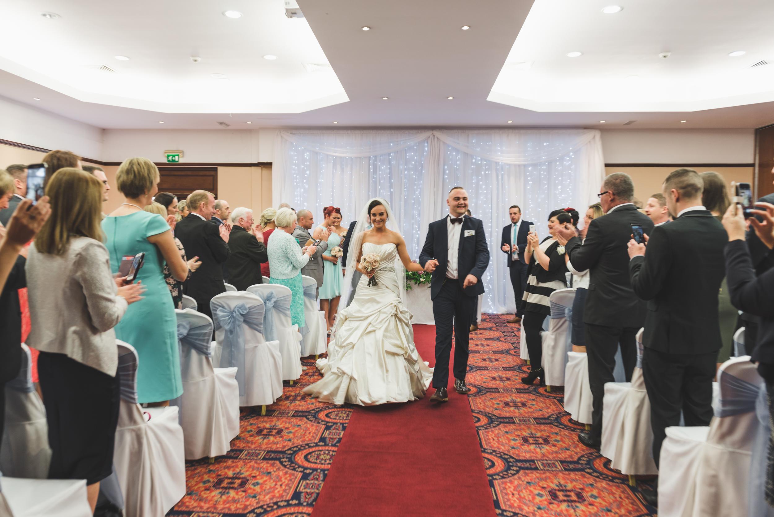 Northern_Ireland_Wedding_Photographer_Purephotoni_Dunsilly_Hotel_Aisle