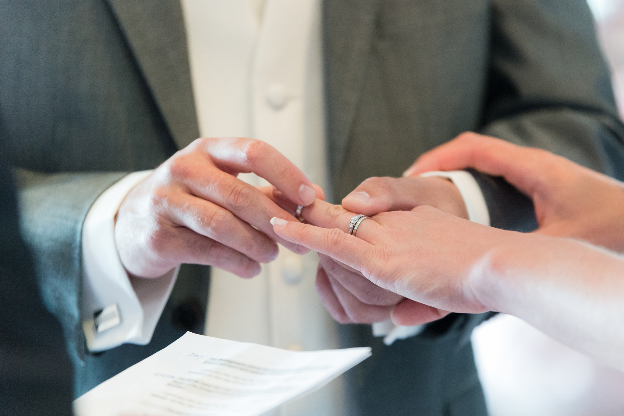 Exchanging_wedding_rings_Belfast_Wedding