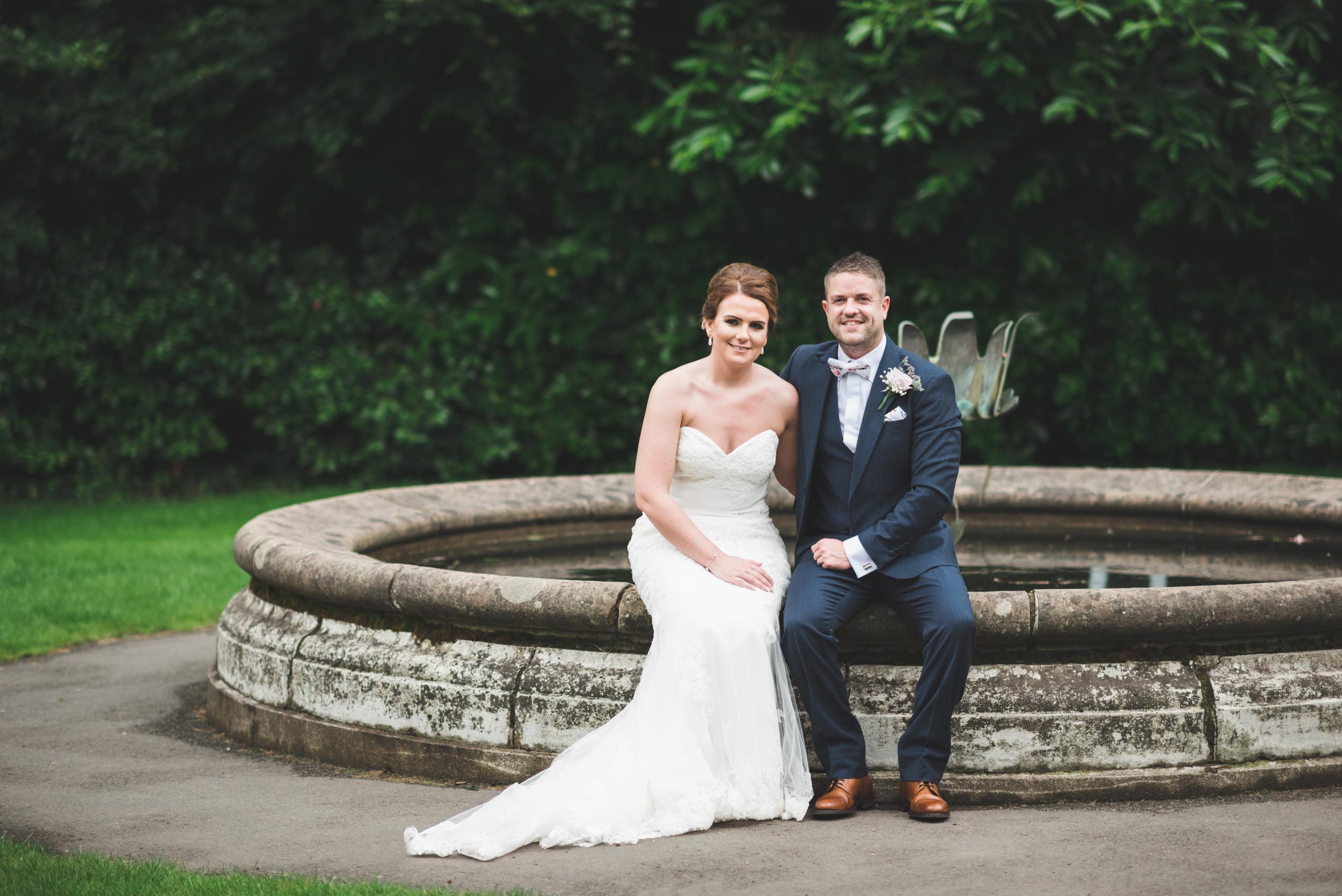 Northern Ireland Wedding Photographer purephotoni Sir Thomas and lady dixons park bride groom fountain