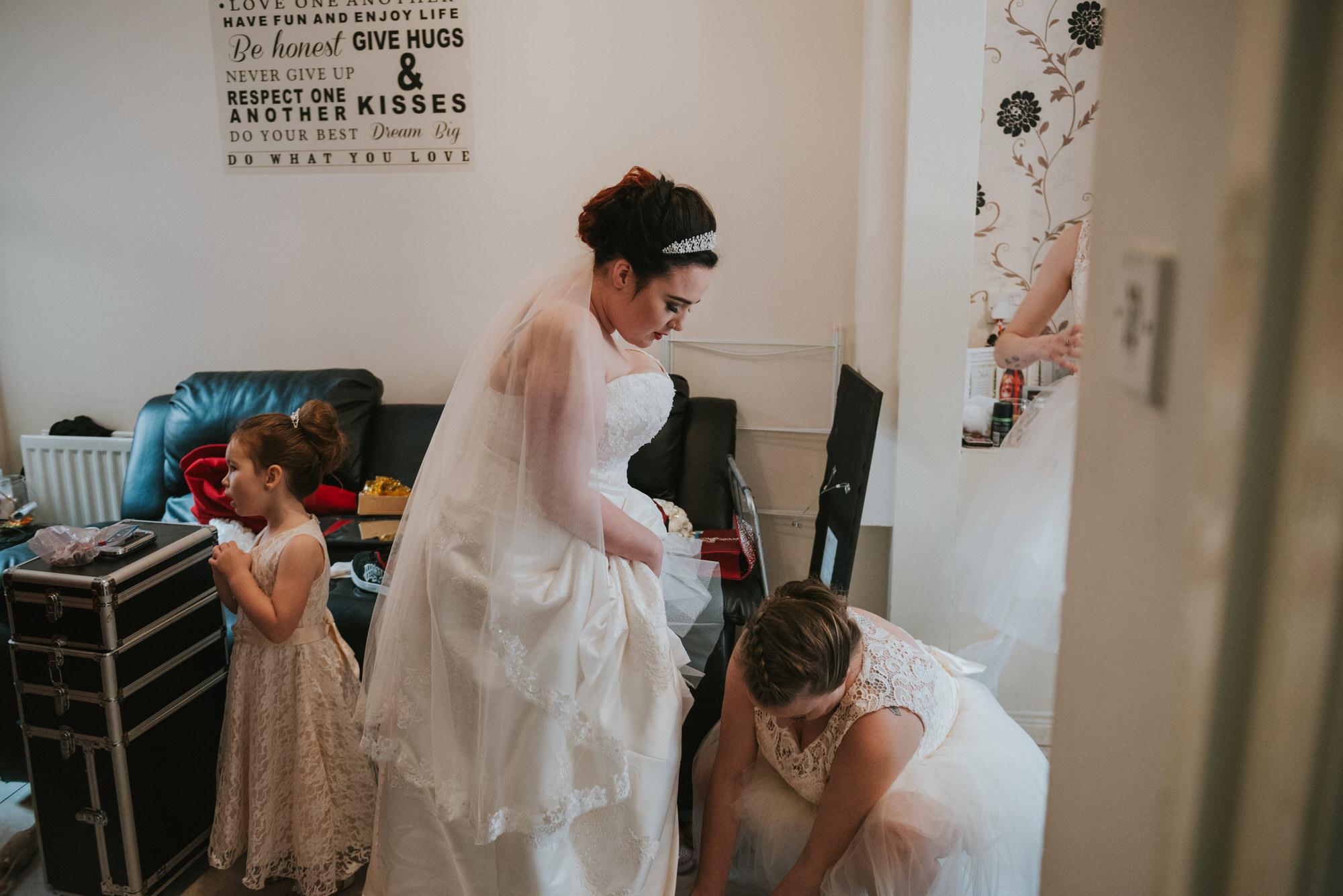ten square hotel wedding getting ready bride with bridesmaid
