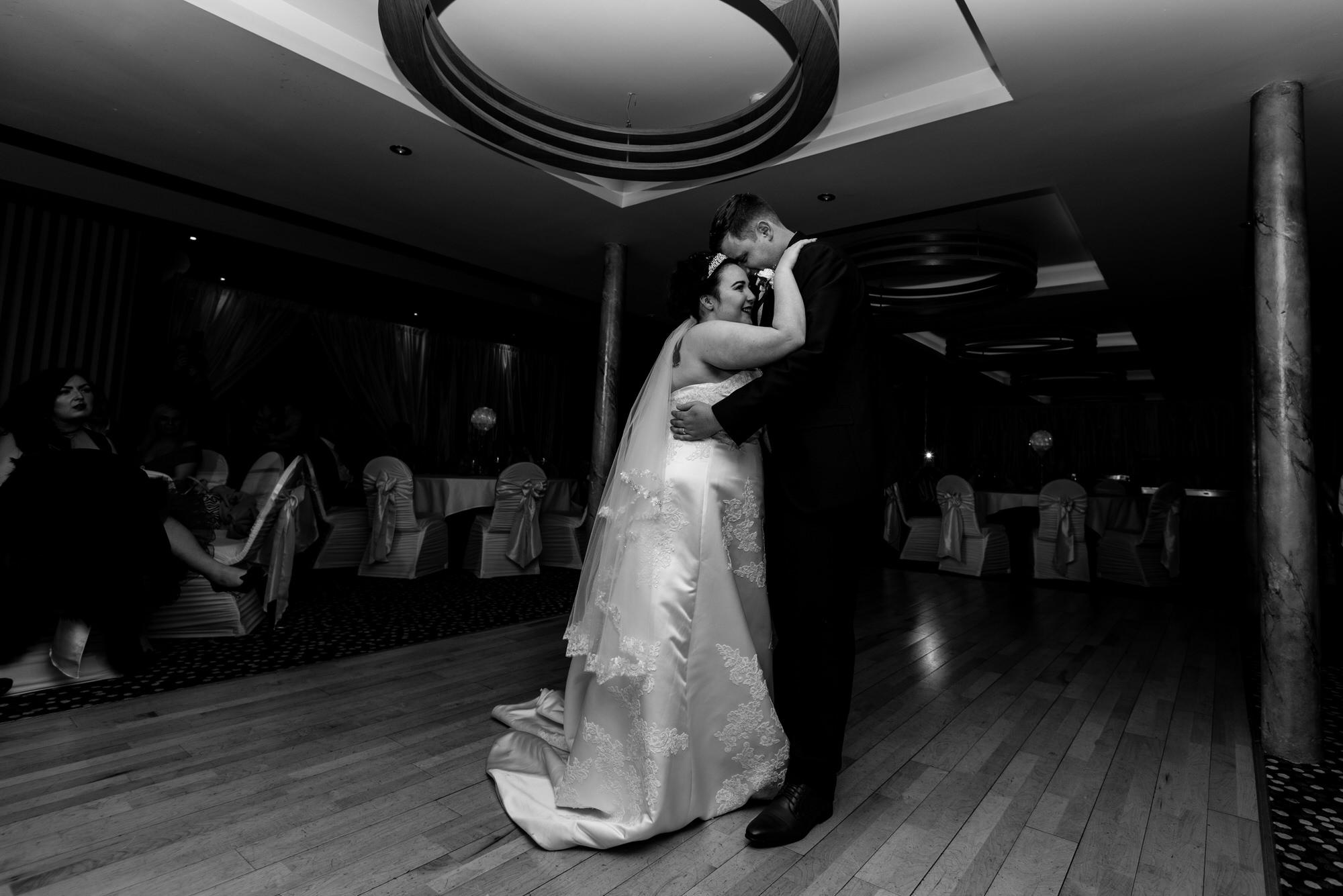wedding photographer belfast ten square hotel first dance