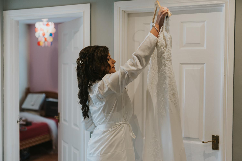 La Mon Hotel wedding bride getting ready