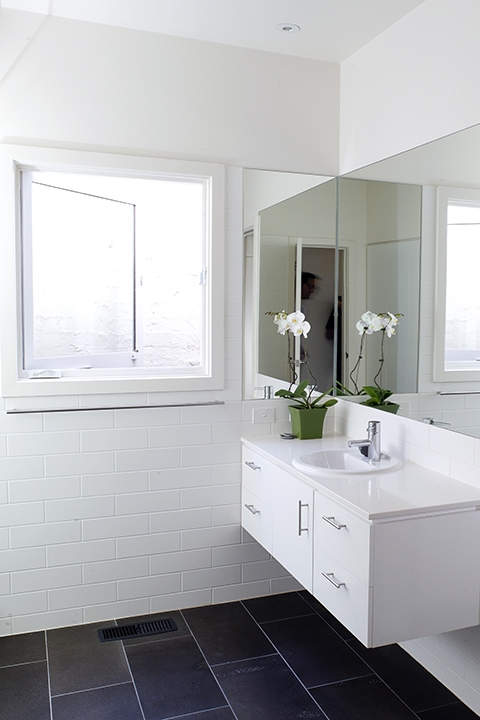 Tony Marin, Architecture, Photographer, Melbourne, white, bathroom