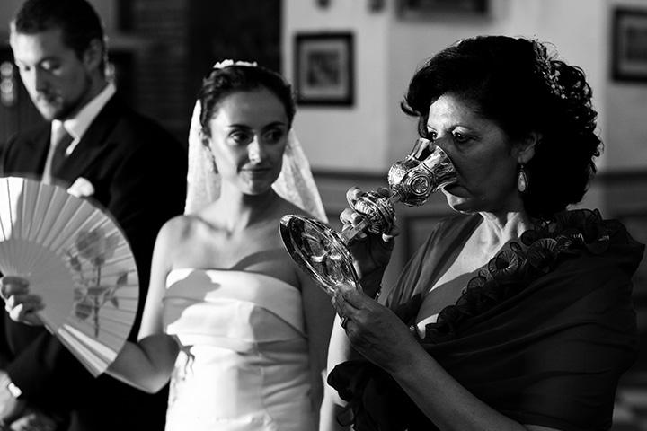 Wedding Photographer, Tony Marin, Spain, Altar, Goblet, Traditions