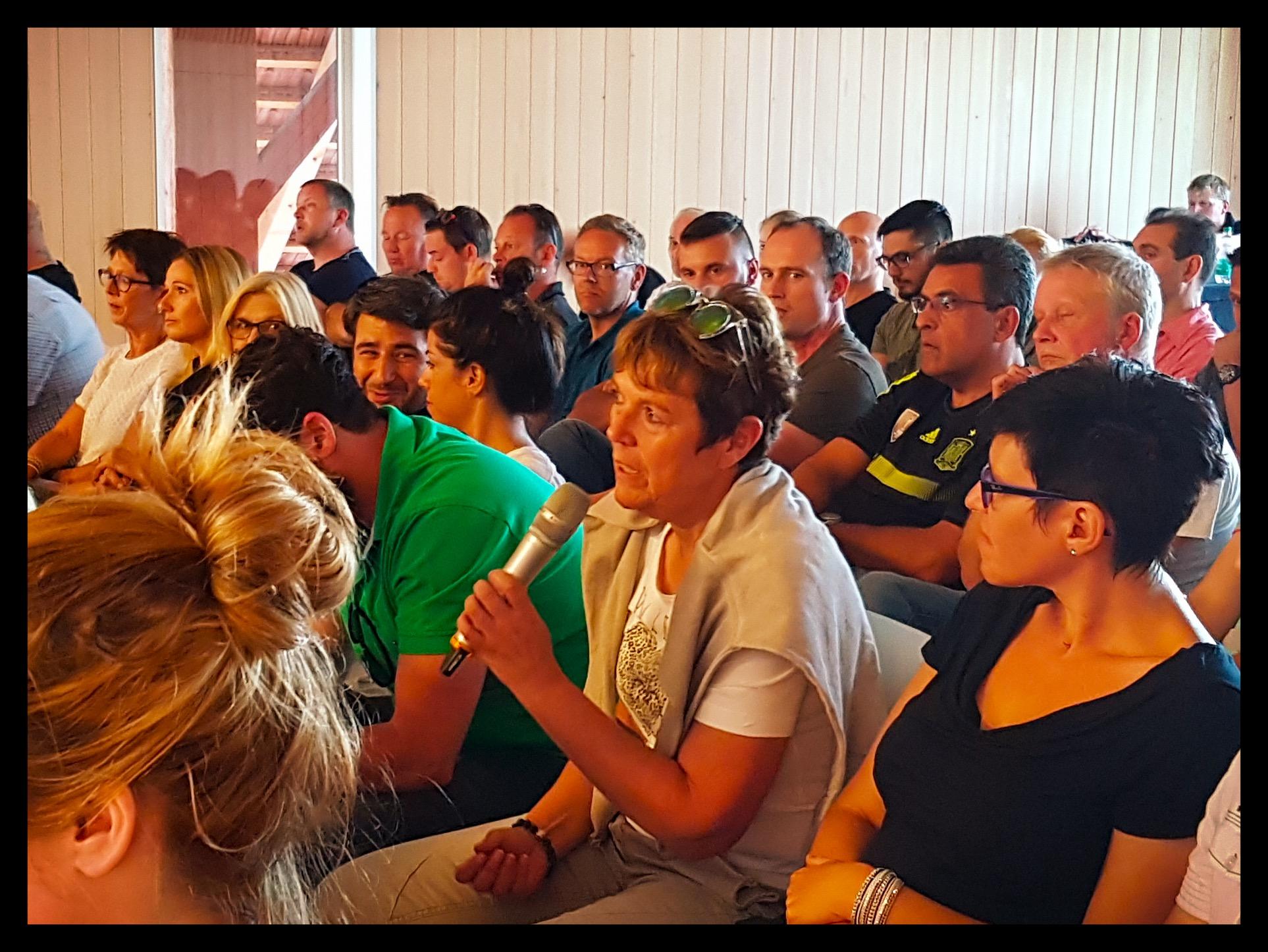 Bild 3 Podiumsgespräch 27.06.2016.jpg