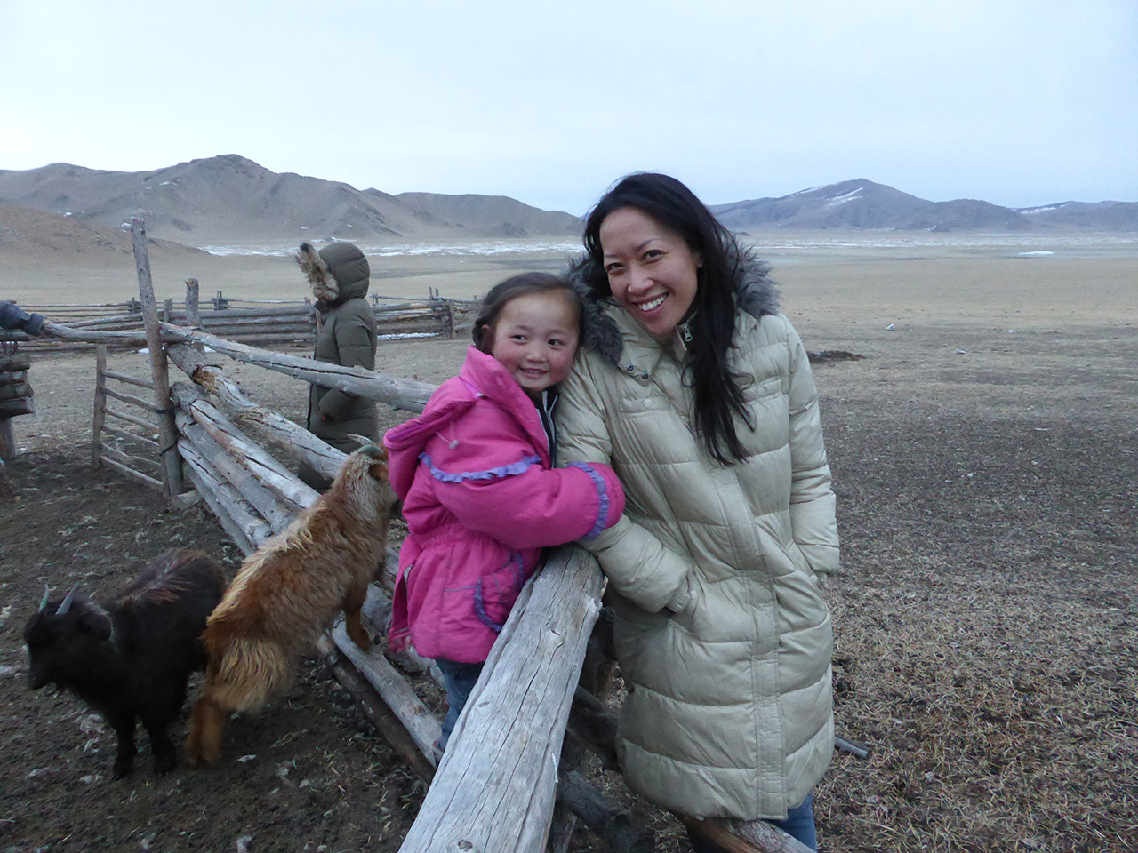 Nancy and the little Mongolian girl. www.tengri.co.uk