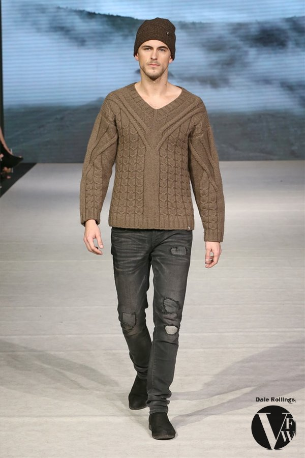 VFW 2017-03-24 TENGRI Haugbergeon Sweater   - Photo by Dale Rollings IMG_7059.JPG