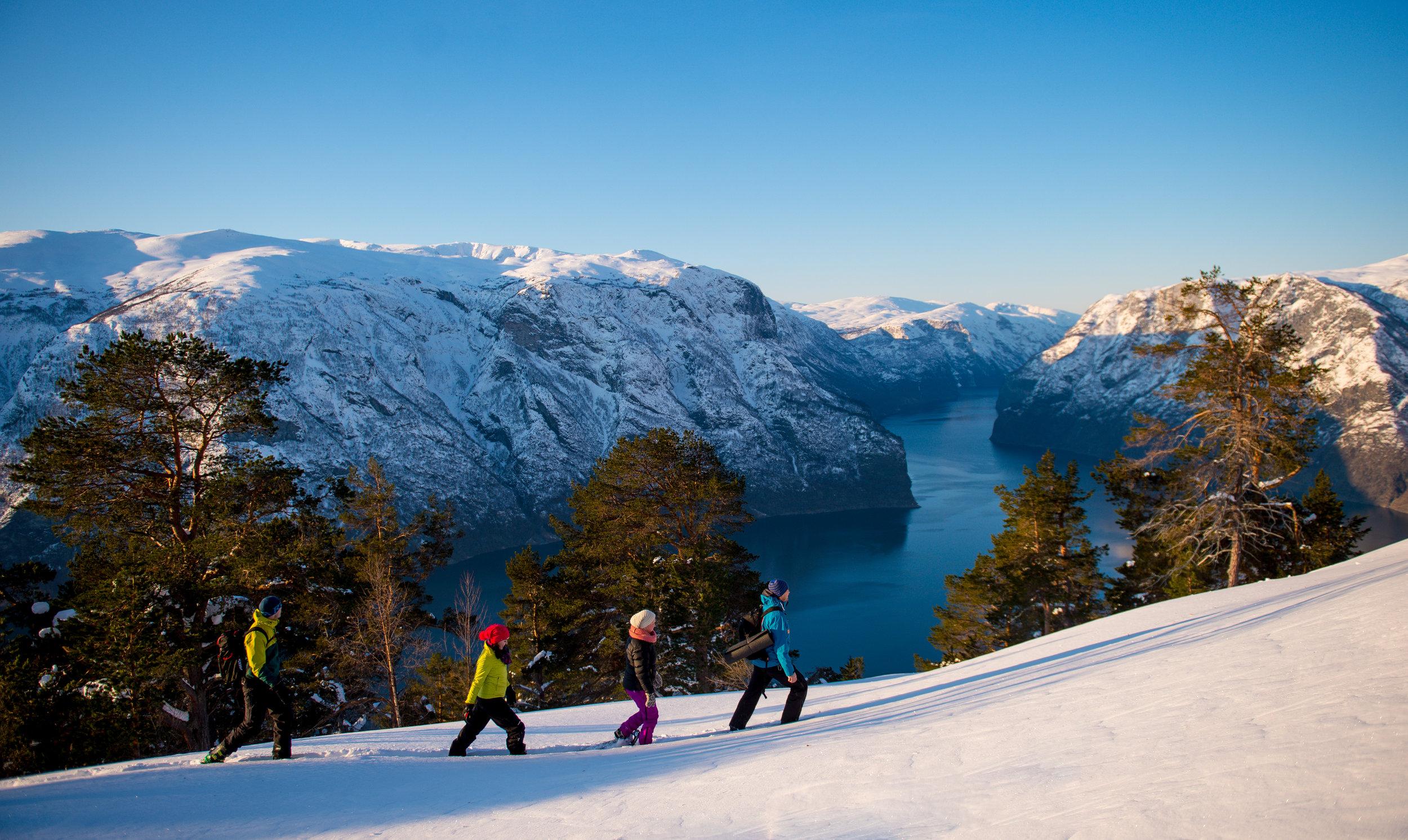 Snowshoe-hike-© Sverre Hjørnevik www.fjordnorway.com (Orginal 4637px).JPG