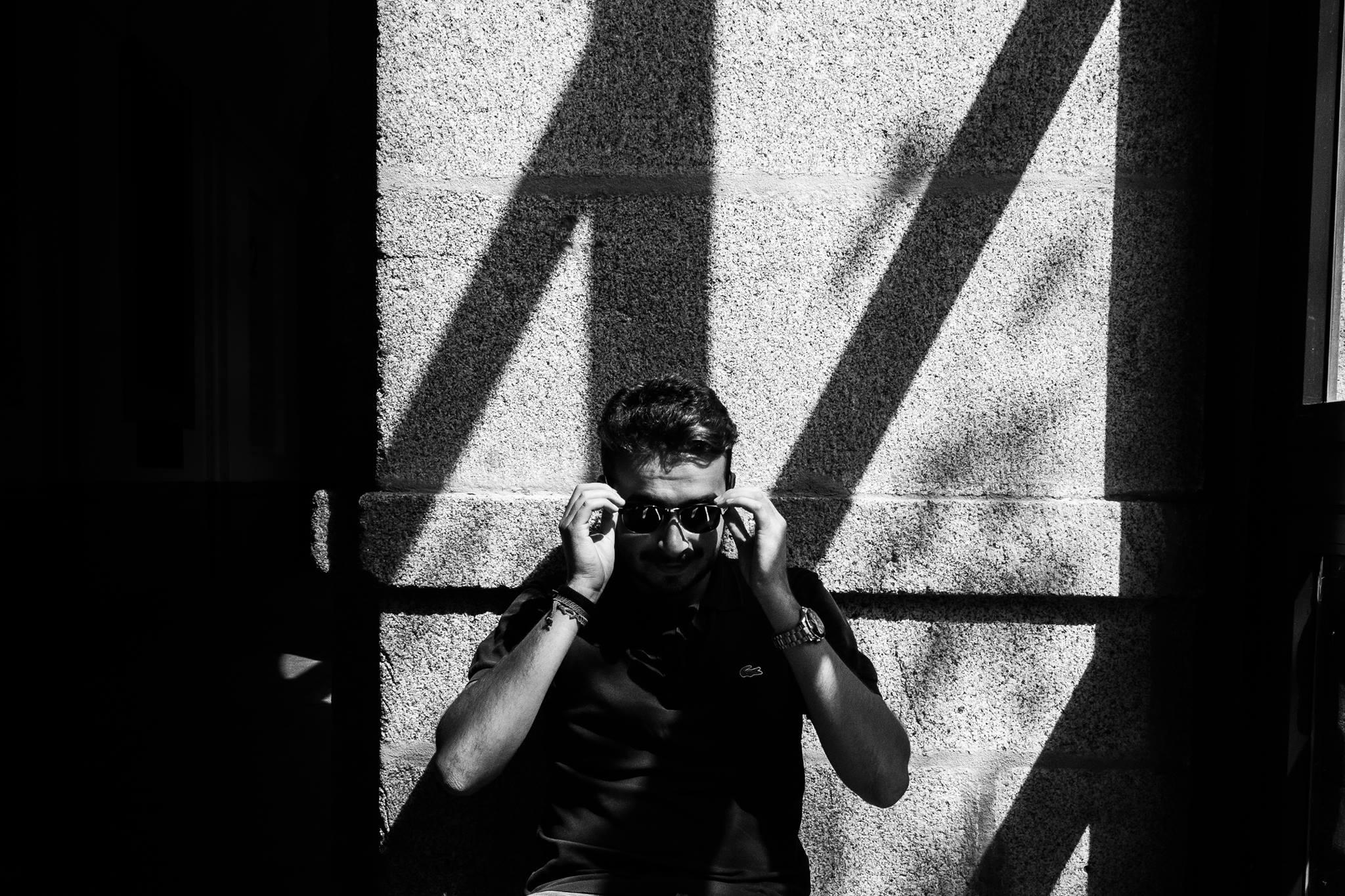 Federico Verzi  Fotografo     Cosa mi piace: Il daily mix di spotify, il rumore dei treni, guardare gli aerei in rotta e immaginarne la destinazione, la Juve e fare le valigie.      Cosa non mi piace: La pubblicità su Youtube, i calzini colorati.