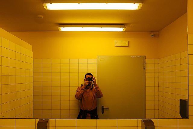 Autoritratto . . . .  #HypeBeast #vscoportrait #ig_mood #discoverportrait #portraitphotography #profile_vision #bleachmyfilm #postmoreportraits #portraitpage #igpodium_portraits #portraiture #makeportraits #ftwotw #makeportraitsnotwar #quietthechaos #makeportraitsmag #expofilm #humaneffect #portrait_perfection #agameofportraits  #ig_italy #instaitaly #igersitaly #loves_italia #gf_italy #vscoitalia #fujifeed #myfujifilm #fujixclub