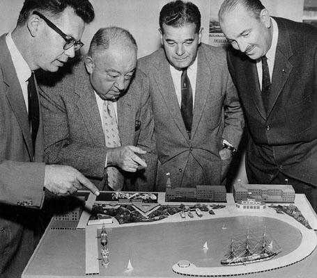 Karl Kortum at Left