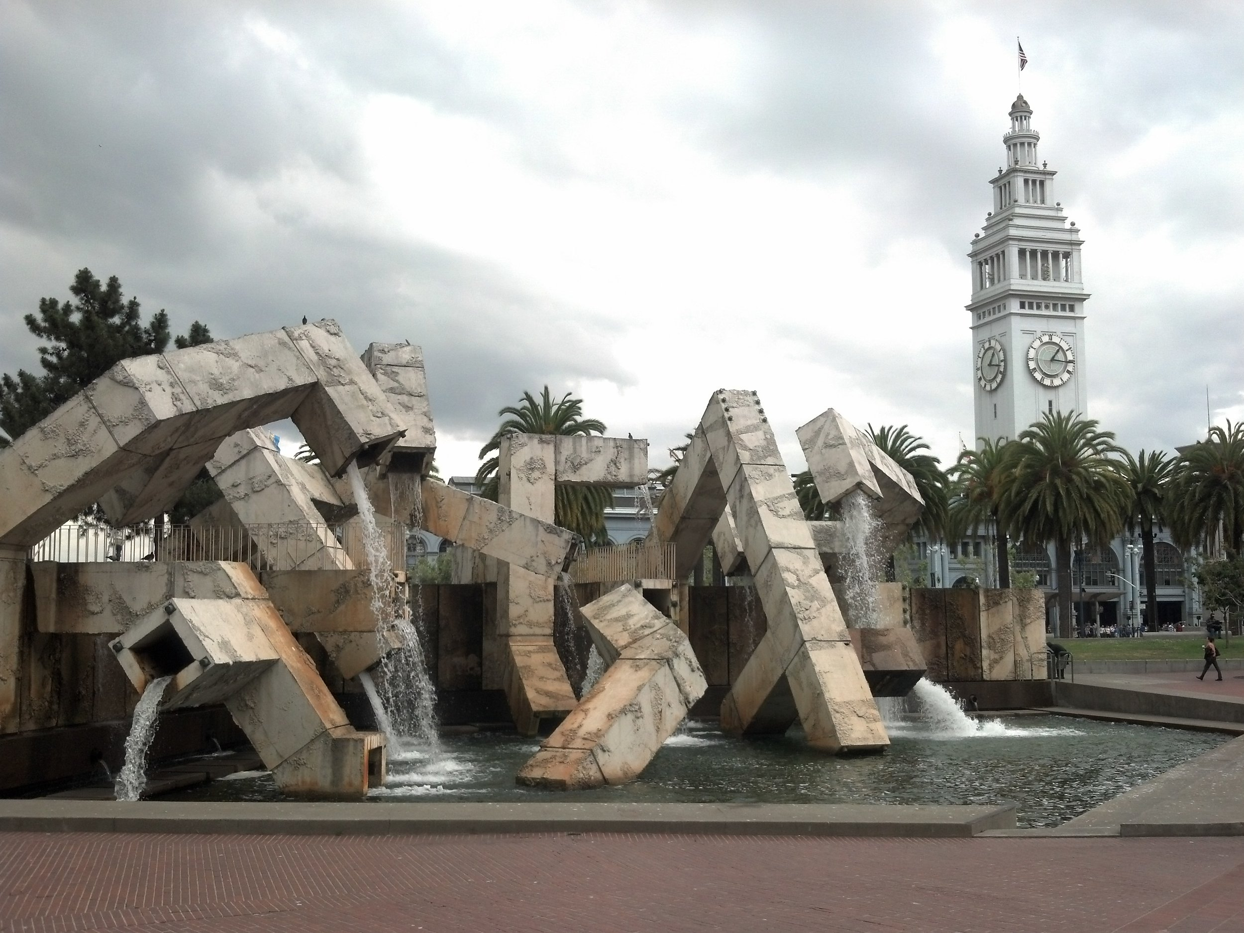 Vaillancourt_Fountain_and_Ferry_Building.jpg