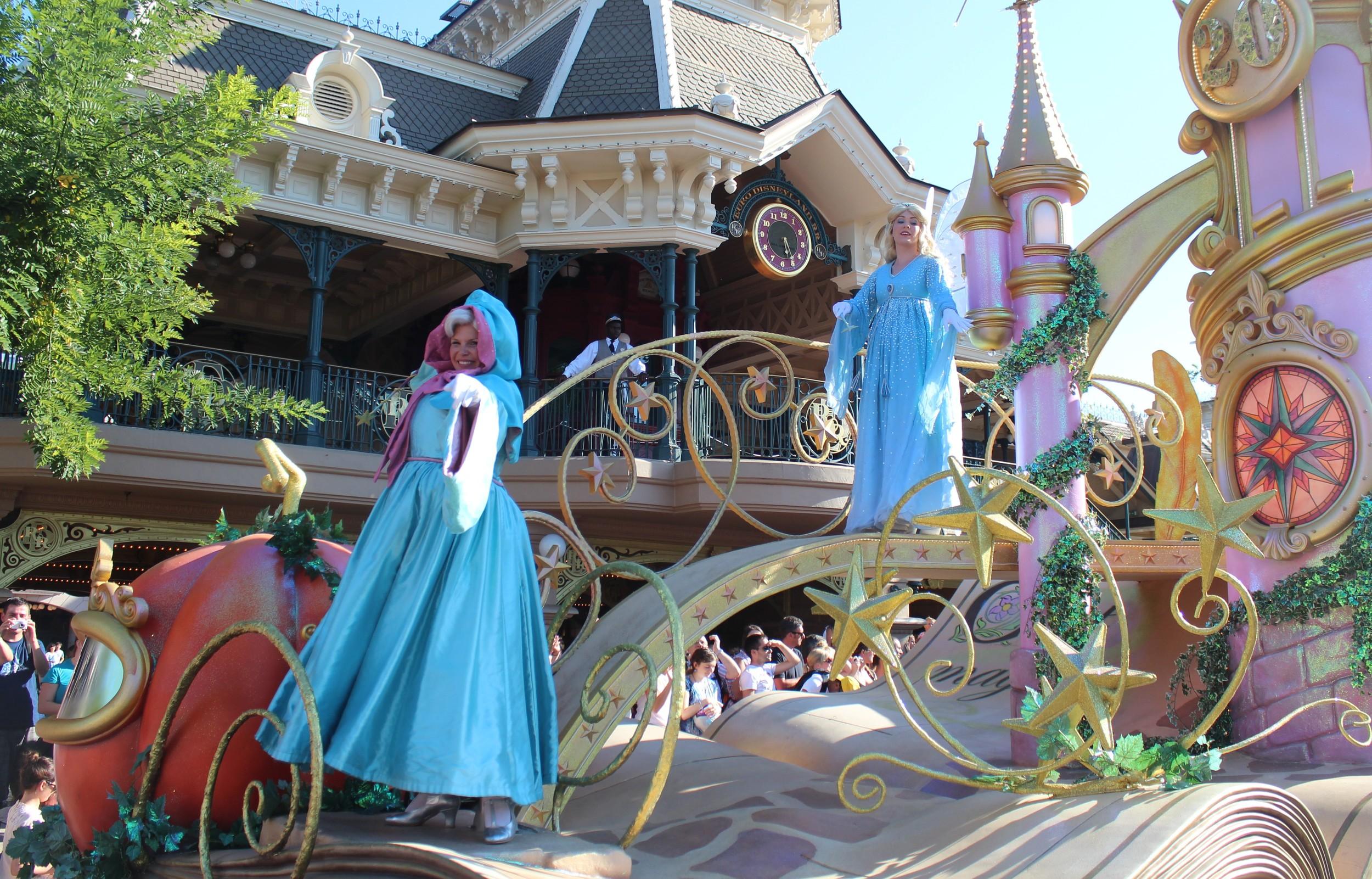Fairy Godmother & Blue Fairy Float Disney Paris