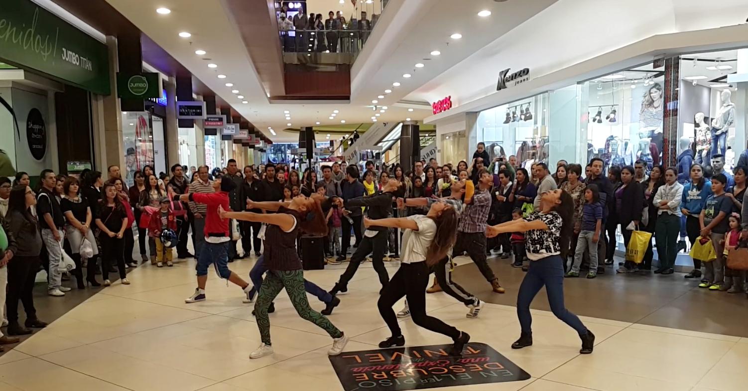 Activación Titán Plaza